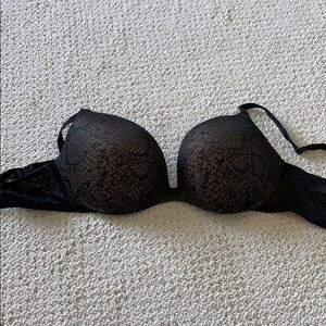 Incredible by Victoria's Secret Plunge Bra